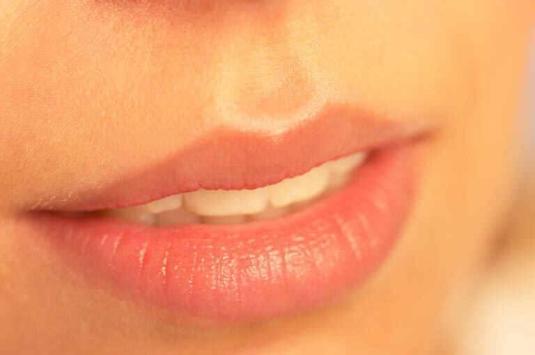 garis-garis-hitam-pada-bibir